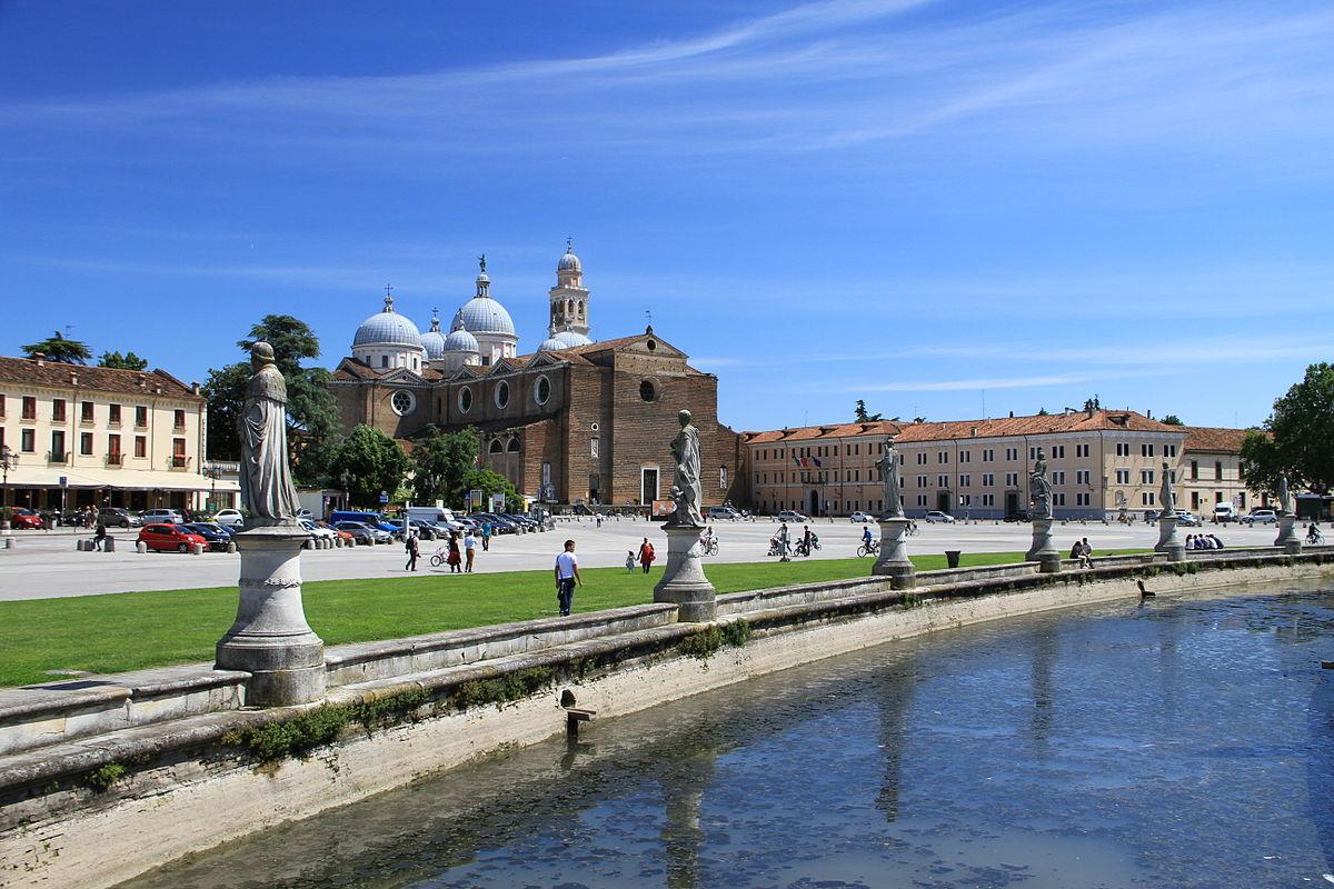 Prato_della_Valle_in_Padua