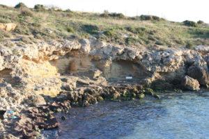 La successione dei depositi dei terrazzi marini del Pleistocene Medio e Superiore -Tirreniano (Tarentiano)  lungo la costa a sud del capoluogo Jonico